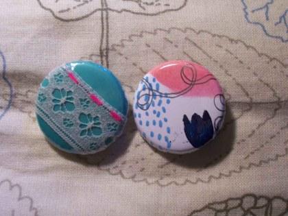 badges-fleurs-et-dentelles-papillonnes