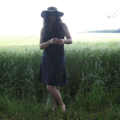 la jupe devant le champs